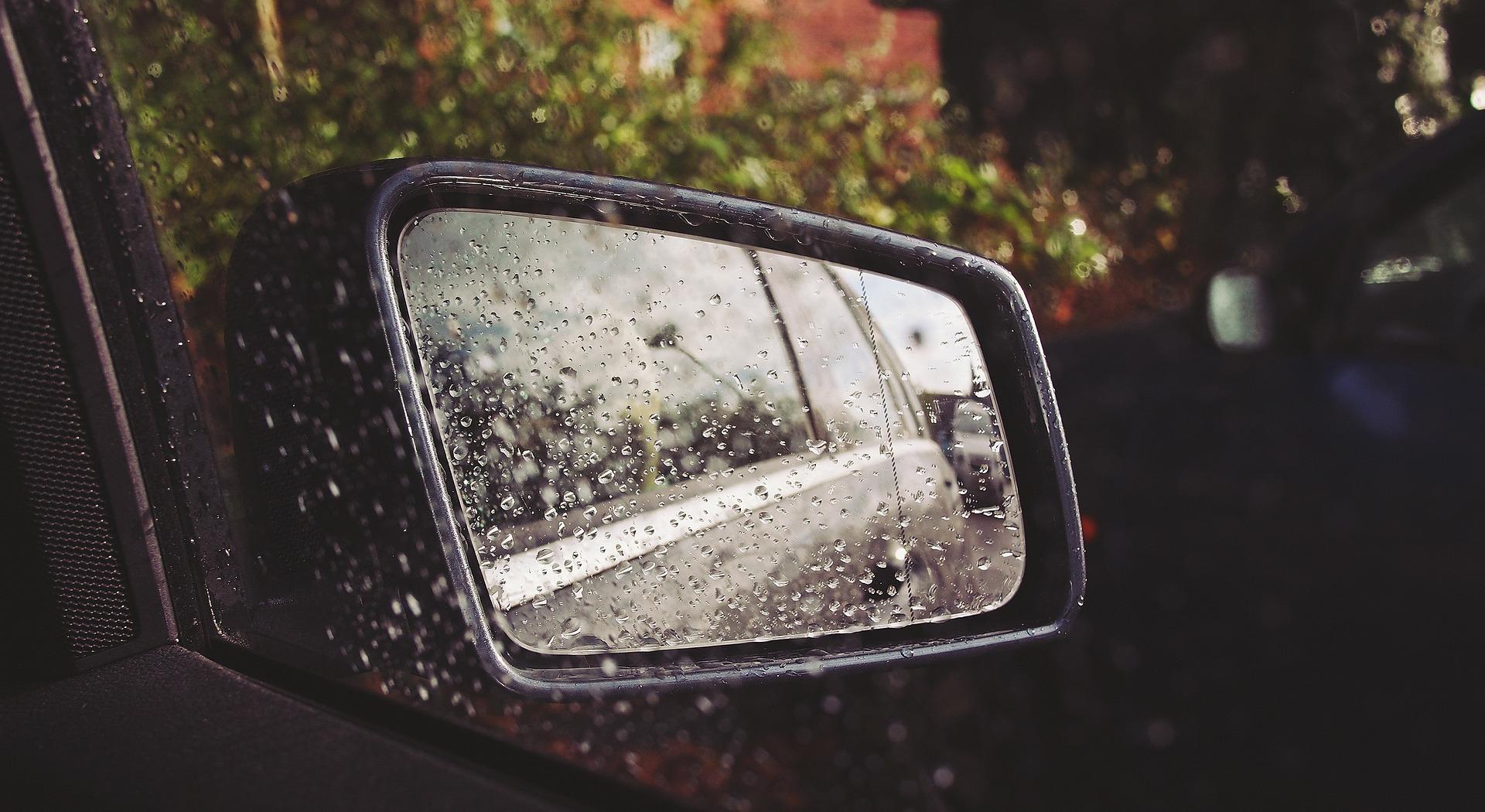Para conducir con una DANA, extrema las medidas de precaución al volante.